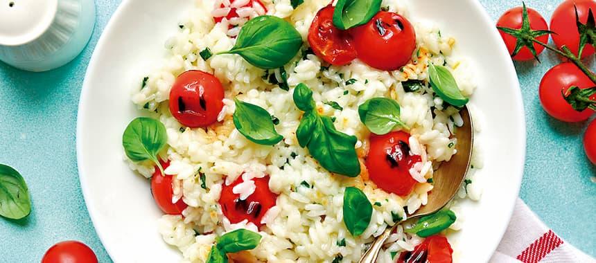 Arroz San Pedro al estilo risotto con tomate y albahaca