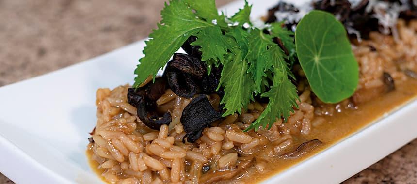 Arroz San Pedro estilo risotto con hongos tenquiques